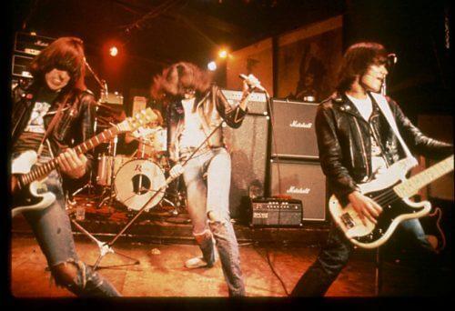 このイメージ画像は、このサイト記事「おすすめ『Ramones Live まとめ』 ネットで話題 YouTube無料動画ご紹介!」のアイキャッチ画像として利用しています。