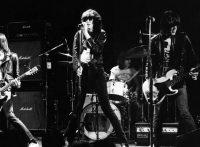 このイメージ画像は、このサイト記事「おすすめ『Ramones Music | ラモーンズ』 公式YouTube人気動画まとめ!」のアイキャッチ画像として利用しています。