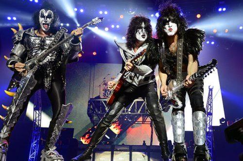 このイメージ画像は、このサイト記事「おすすめ『KISS Detroit Rock City まとめ』 ネットで話題 YouTube無料動画ご紹介!」のアイキャッチ画像として利用しています。