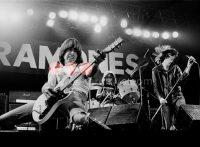 このイメージ画像は、このサイト記事「おすすめ『Ramones Sheena Is A Punk Rocker まとめ』 ネットで話題 YouTube無料動画ご紹介!」のアイキャッチ画像として利用しています。