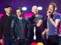このイメージ画像は、このサイト記事「おすすめ『Coldplay Viva La Vida まとめ』 ネットで話題 YouTube無料動画ご紹介!」のアイキャッチ画像として利用しています。
