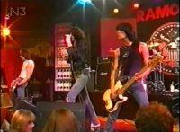 このイメージ画像は、このサイト記事「おすすめ『Ramones Blitzkrieg Bop まとめ』 ネットで話題 YouTube無料動画ご紹介!」のアイキャッチ画像として利用しています。