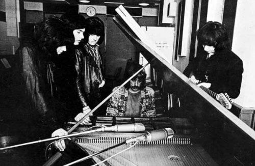 このイメージ画像は、このサイト記事「ディープ・パープル|Deep Purple ファイアボール おすすめ音楽YouTube人気動画まとめ」のアイキャッチ画像として利用しています。