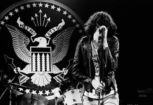 このイメージ画像は、このサイト記事「おすすめ『Ramones   ラモーンズ』 公式YouTube人気動画まとめ!」のアイキャッチ画像として利用しています。