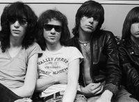 このイメージ画像は、このサイト記事「おすすめ『Ramones Do You Remember Rock and Roll Radio? まとめ』 ネットで話題 YouTube無料動画ご紹介!」のアイキャッチ画像として利用しています。
