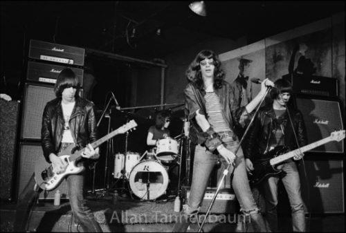 このイメージ画像は、このサイト記事「おすすめ『Ramones Pet Sematary まとめ』 ネットで話題 YouTube無料動画ご紹介!」のアイキャッチ画像として利用しています。
