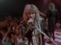 このイメージ画像は、このサイト記事「Bon Jovi ボン・ジョヴィ リヴィン・オン・ア・プレイヤー おすすめ音楽YouTube人気動画まとめ」のアイキャッチ画像として利用しています。